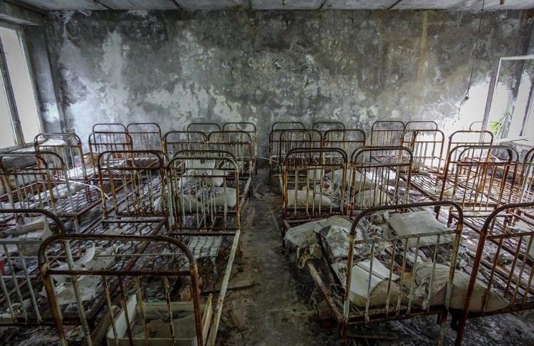 Старые кровати в Чернобыле