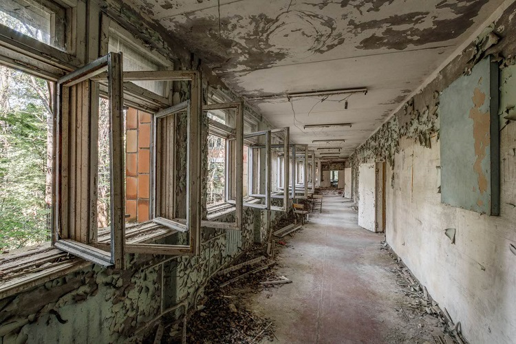Коридоры старой школы в Припяти