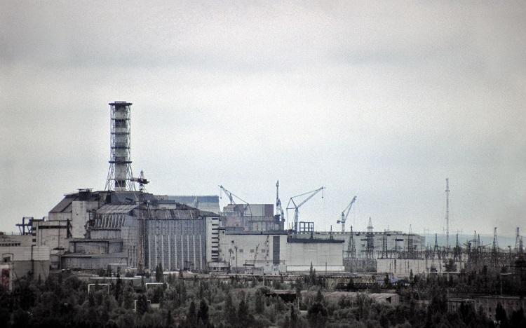 """строительство """"Укрытия"""" над 4 энергоблоком ЧАЭС"""