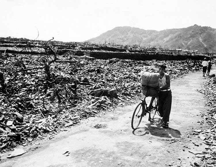 Хиросима и Нагасаки последствия взрыва ядерной бомбы Взрыв на Хиросиме и Нагасаки Доклад исследовательской группы