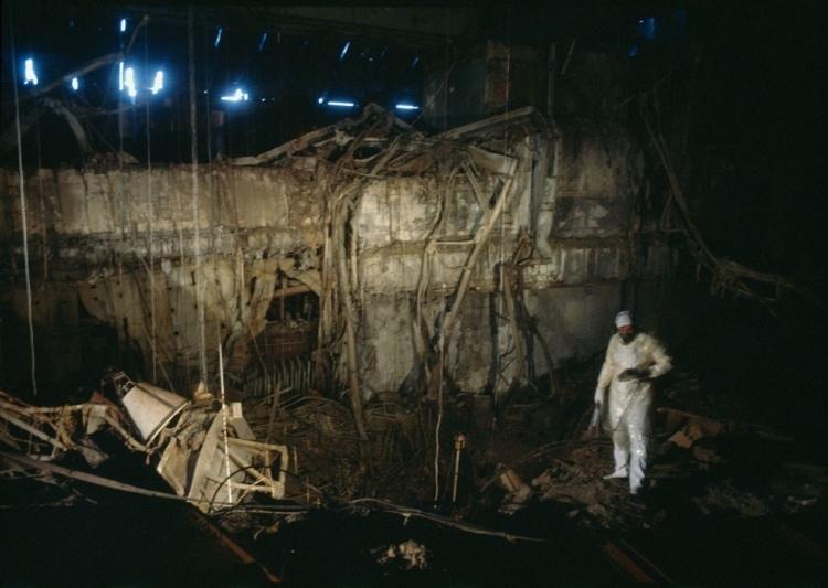 Внутри старого Саркофага
