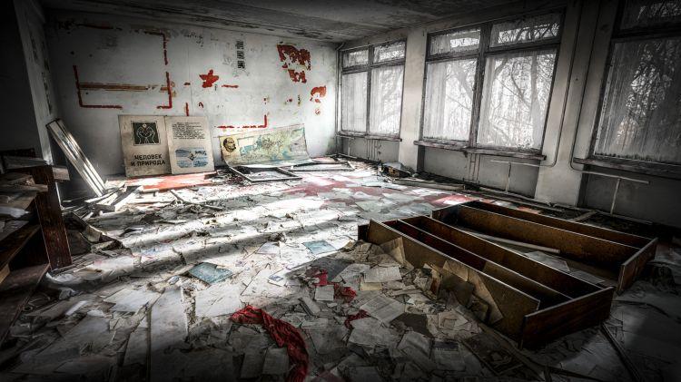 Внутри одного из зданий в Припяти