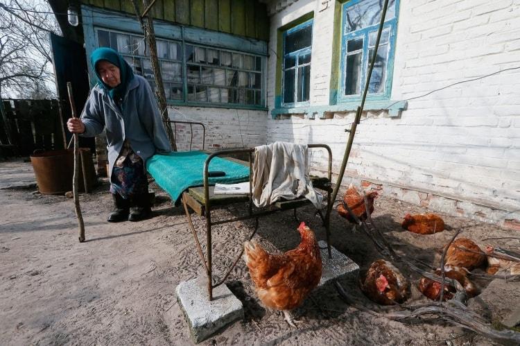 Чернобыль сегодня 2016 живут ли там люди фото