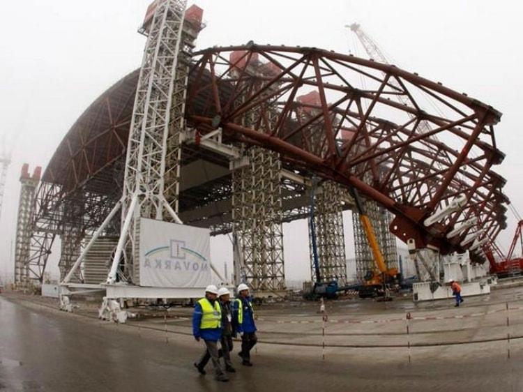 Процесс строительства объекта Укрытие-2