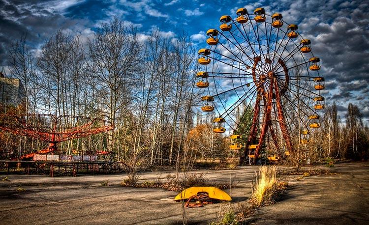 Pripyat amusement park, ferris wheel Pripyat