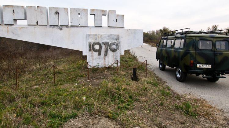chernobyl_diaries_background1