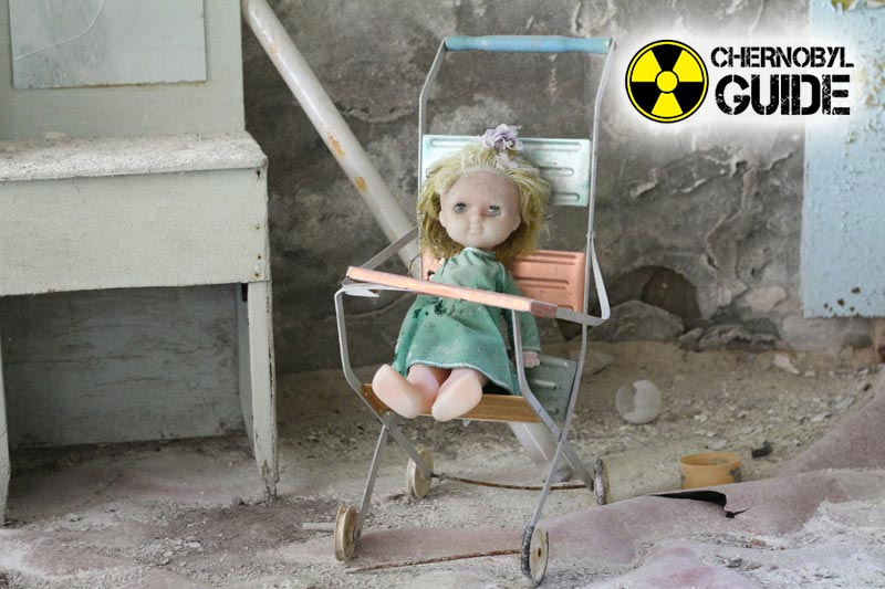 Immagini della vittima delle radiazioni nella città di Pripyat